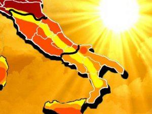 In Campania il caldo è da record: 55 gradi percepiti. Allerta fino a lunedì pomeriggio