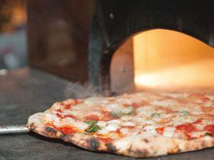 La pizza napoletana è patrimonio dell'umanità: la decisione dell'Unesco