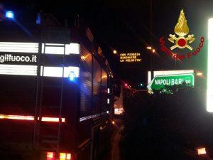 Salerno, incidente tra due tir sull'A2: traffico in tilt, un autista in ospedale