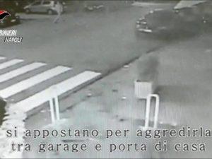 Secondigliano, lo rapinano e gli rompono il naso con il calcio della pistola: paura per un diciottenne