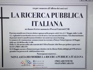 """I precari del Cnr protestano a Pozzuoli contro la riforma Madia: """"La ricerca condannata a morte"""""""