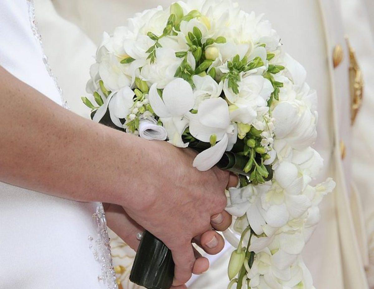 Bouquet Sposa Tradizione.Matrimonio Napoletano La Tradizione Del Bouquet Della Sposa A