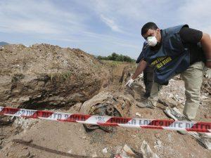"""Caserta, sequestrati 47 ettari nella """"discarica più grande d'Europa"""""""