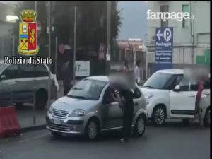 Napoli, lotta serrata ai parcheggiatori abusivi: 12 persone allontanate dalla città