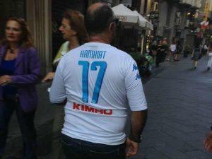 L'autoironia di un tifoso del Napoli: sulla maglietta Hamsik diventa Hamkiat