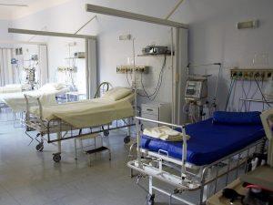 Caso di meningite a Napoli: sta male un 17enne, chiuso un liceo scientifico