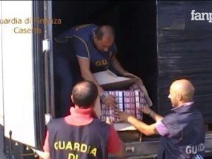Caserta, il tir trasporta sigarette di contrabbando: sequestrate 10 tonnellate