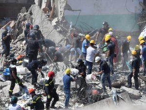 L'autopsia: le vittime del crollo a Torre Annunziata sono morte per asfissia nel sonno