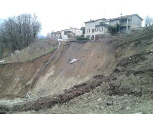 Allerta meteo in Campania: c'è il rischio frane dopo gli incendi