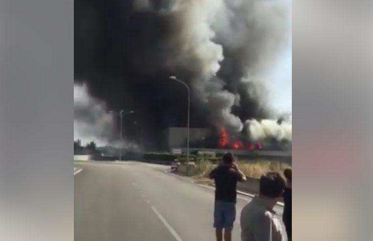 Vasto incendio a capua negozio expert completamente for Expert napoli di lella