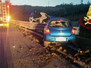 Incidente nella notte sull'autostrada A16, morto un ragazzo di 28 anni