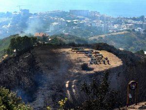 Vesuvio, gli incendi più grossi sono stati spenti. Ma la situazione resta di allerta