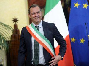 Il governo salva i bus a Torino e non a Napoli? È perché De Magistris non sa fare politica