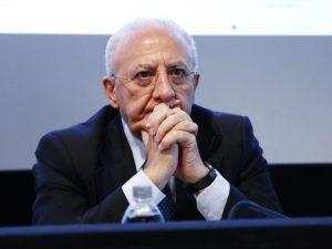 Sulla malasanità in Campania De Luca grida alle fake news. Ma rischia di farsi male