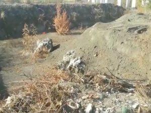 Ponticelli, camion sversa rifiuti speciali in un cantiere abbandonato