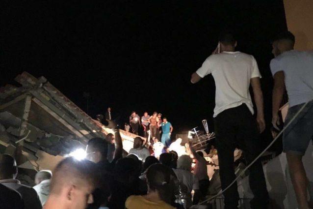 Terremoto Ischia: si scava, sotto le macerie si sentono voci di bambini
