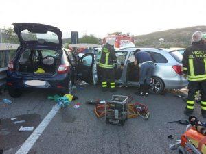 San Salvatore Telesino, incidente sulla statale 327: dieci feriti feriti, due gravi