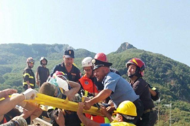 Fratellini salvati: frattura per Ciro, traumi per Mattias