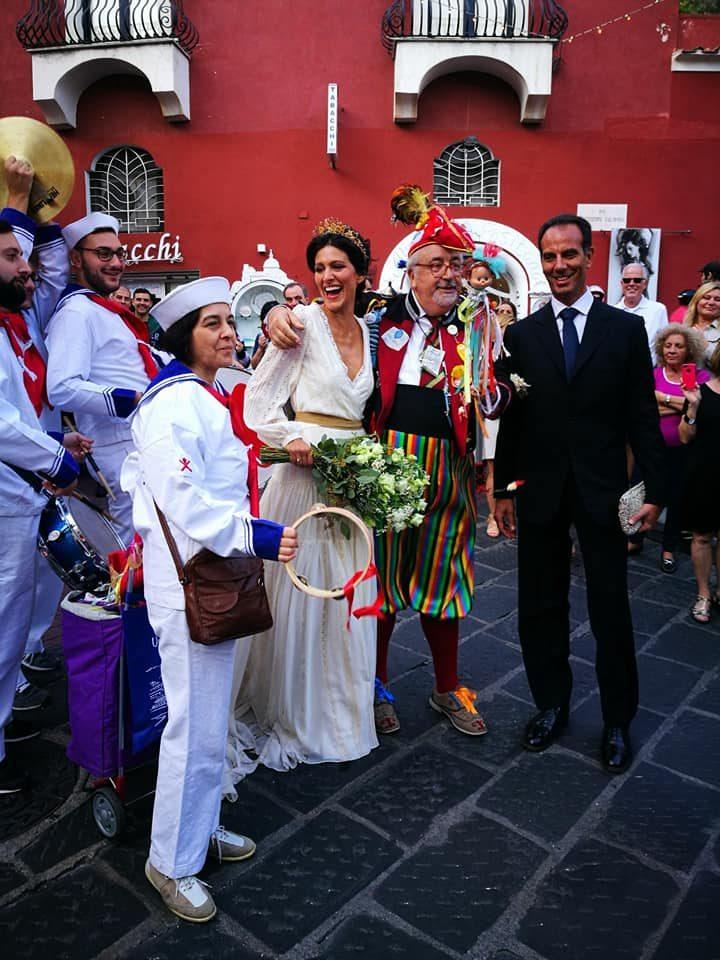 Matrimonio In Comune Quanti Testimoni : Matrimonio a positano per giulia bevilacqua l attrice in