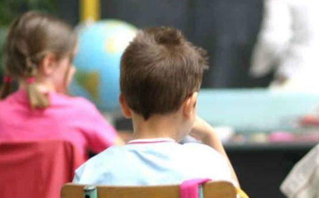 Bambino Qualiano.Qualiano Abusi Sessuali Su Un Alunno In Una Scuola Elementare Arrestato Un Bidello