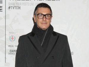 Il folle amore di Stefano Gabbana per Napoli: lo stilista in giro per i vicoli
