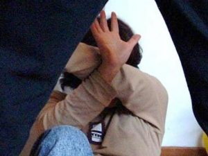 """Stupro a Marechiaro, il racconto choc della 16enne: """"Ridevano mentre gli amici mi violentavano"""""""