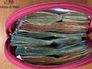 Portici, sequestrato borsellino con oltre 6.500 euro nella cucina dei pusher