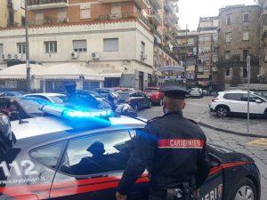 Napoli, parcheggiatore abusivo aggredisce ausiliare del traffico: arrestato