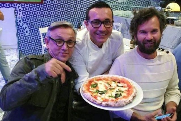 Al centro Gino Sorbillo, a destra Carlo Cracco e a sinistra Bruno Barbieri