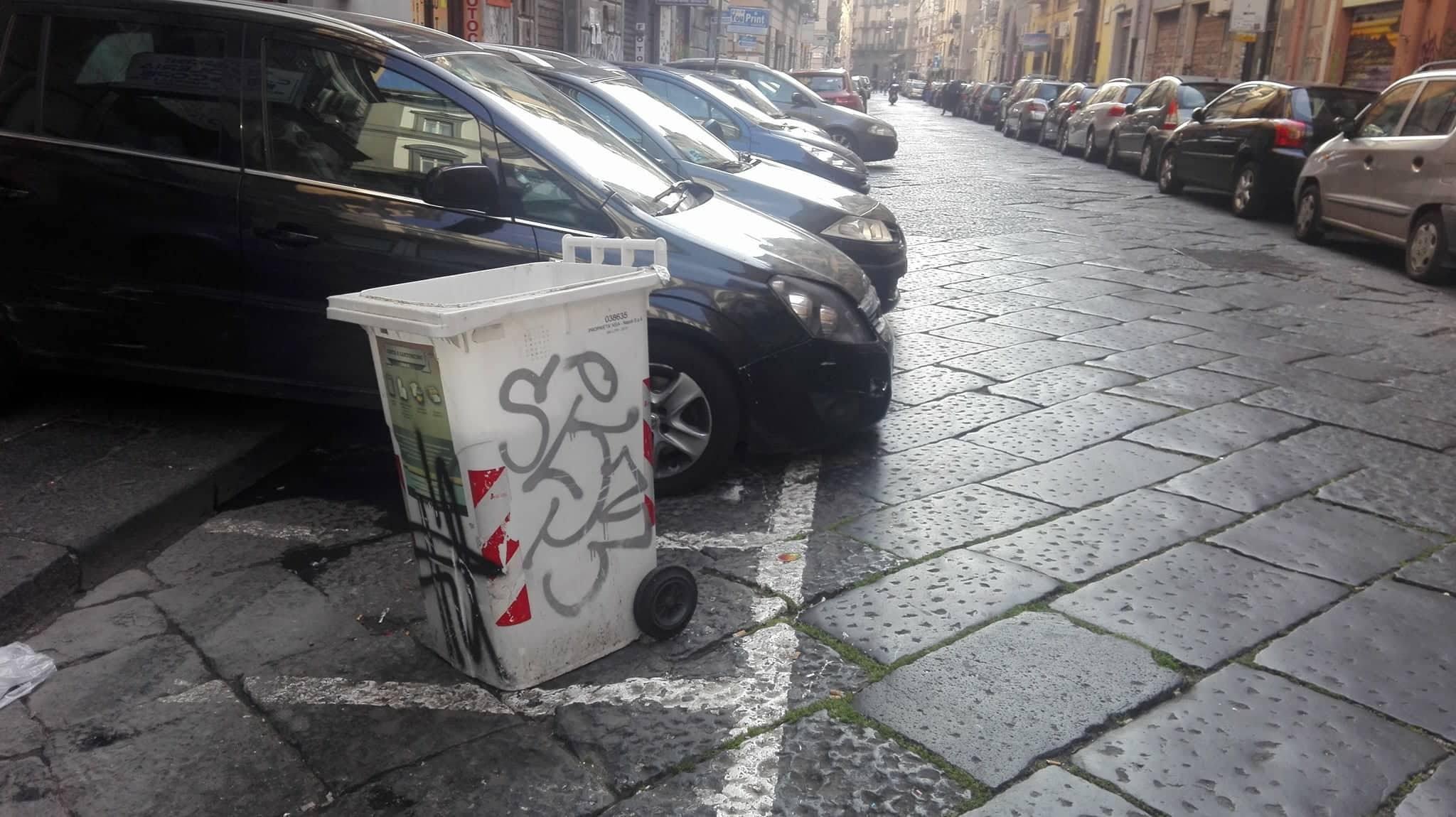 Via Sedile Di Porto.Parcheggiatori Abusivi Continua La Piaga Lo Scempio In Via