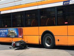 L'incidente stradale in via De Gasperi a Napoli