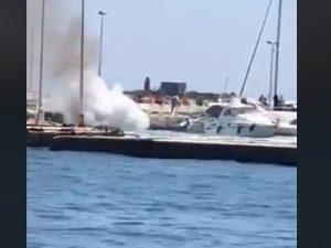 Gommone si schianta sul molo di Baia – foto BacoliVox.it