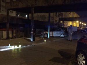 I carabinieri sul luogo del delitto a Ponticelli