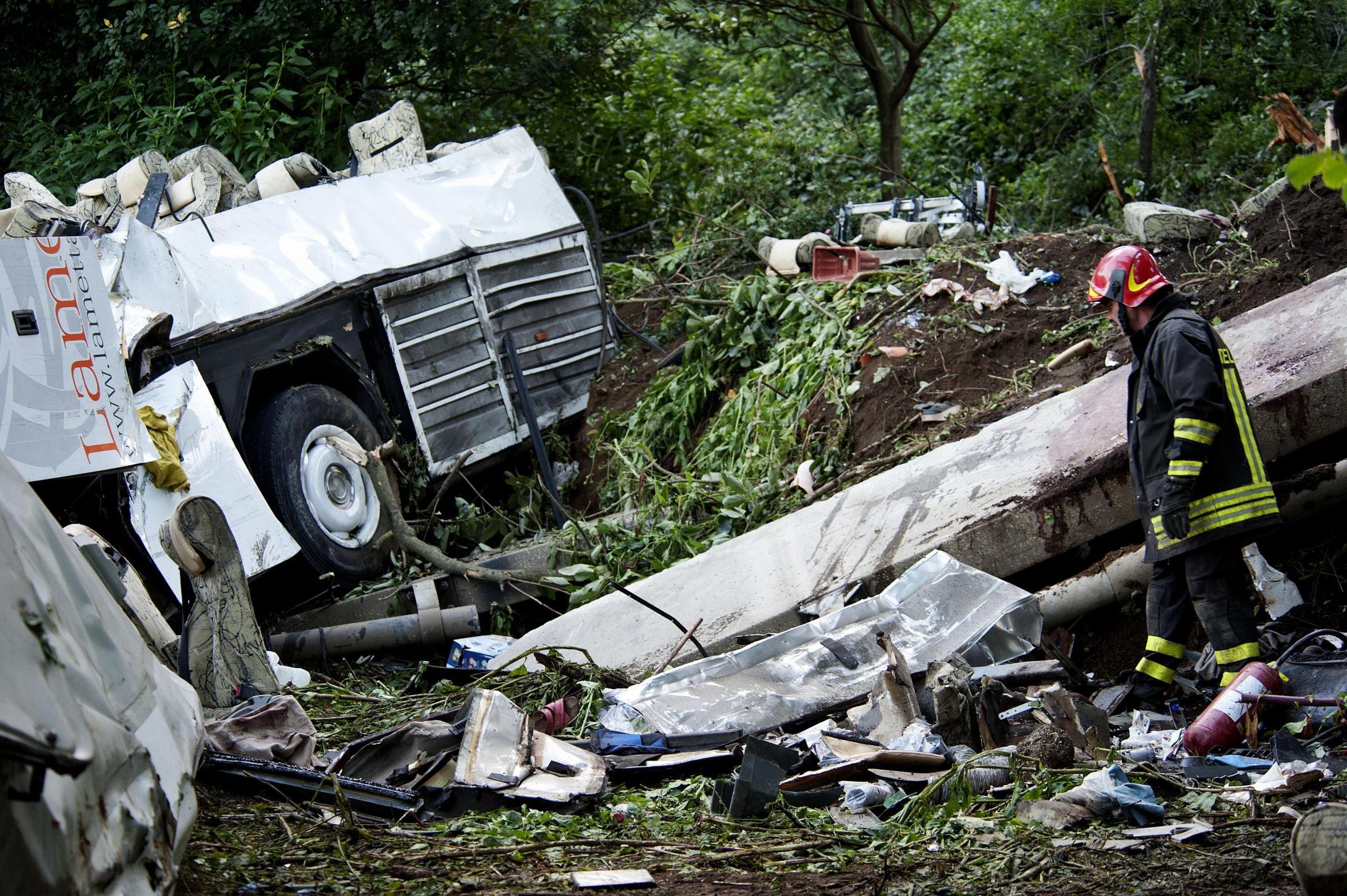 Aereo Privato Precipita : Piccolo aereo partito da treviso cade in macedonia morti sei