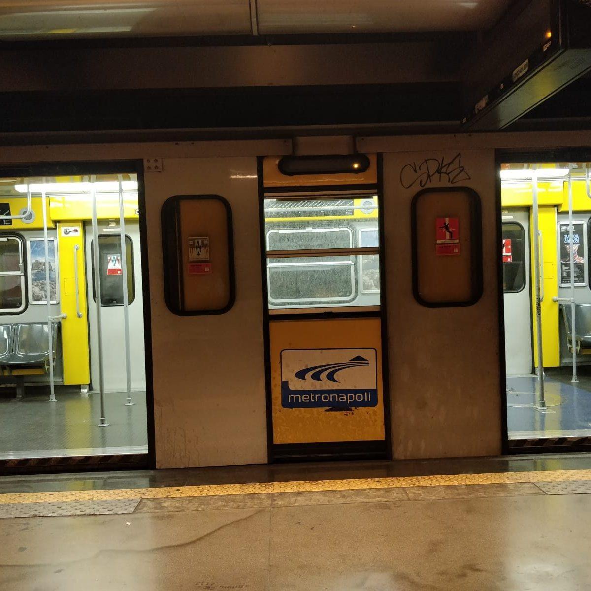 1Boato Museo In Del A Metrò Al Treno Linea Bordo FrenataPanico XZPkui