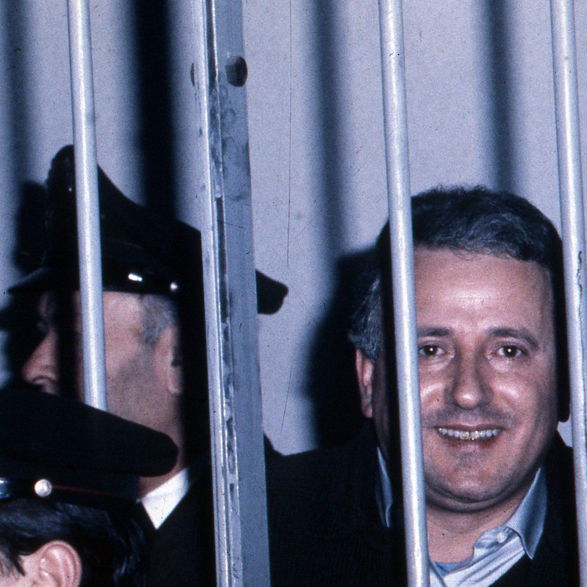 La vita di Raffaele Cutolo. Il boss che con omicidi, soldi e lavoro ha cambiato la camorra