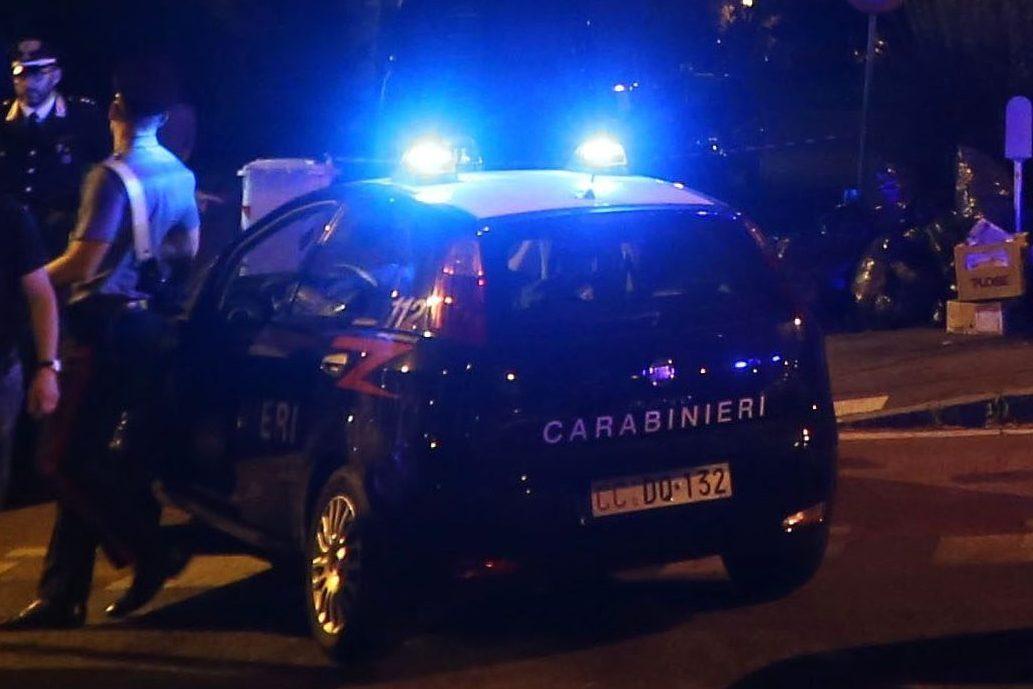Caserta, trovato morto nell'auto parcheggiata vicino al cimitero con lo stereo al massimo - Napoli Fanpage.it