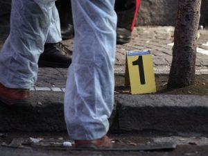Miano, agguato di camorra all'alba: ucciso a colpi di pistol