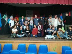 Maestri di strada e studenti, spettacolo e laboratori con gl
