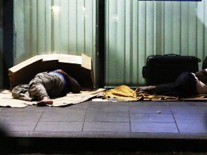 Coronavirus, a Napoli i senzatetto non potranno più uscire d