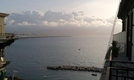 Così sarebbe Napoli senza il Vesuvio e non c'entra Photoshop
