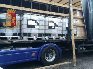 Il camion è una bomba ecologica: fermato sulla Tangenziale d