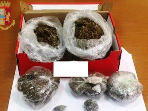 Un chilo di marijuana nella scatola da scarpe, preso corrier