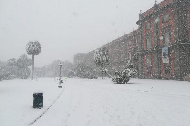 A Napoli solo due anni fa la grande nevicata |  oggi c'è il sole  Sì |  il clima sta cambiando