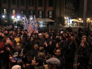 Sardine a Napoli |  la manifestazione è un flop |  in piazza Dante meno di 400 persone