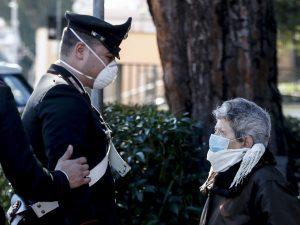 Coronavirus, sale a 100 il numero dei medici morti