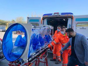 A Napoli barelle ad alto biocontenimento contro il Coronavirus sulle ambulanze del 118