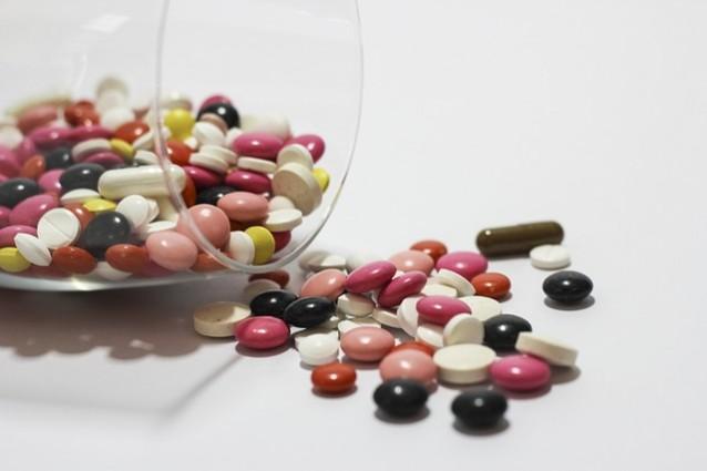 Gli italiani usano sempre meno antibiotici