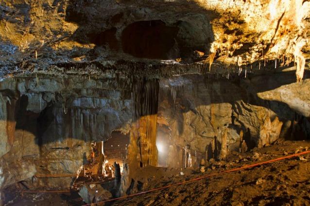 La grotta di Manot, in Israele, dove è stato ritrovato il cranio parziale (REUTERS/Israel Hershkovitz, Ofer Marder & Omry Barzilai/Handout via Reuters)