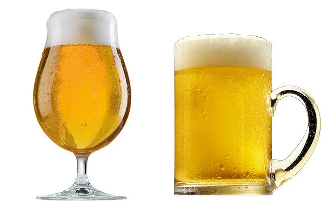Bicchiere ondulato o diritto? Gli studiosi si sono chiesti quale forma incoraggi il consumatore a bere di più.